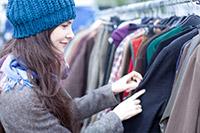Mobilder Kleiderständer für den Flohmarkt